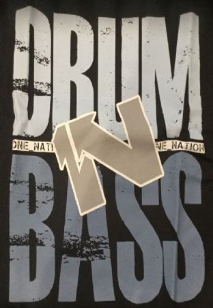 One Nation - Drum 1N Bass - Logo - T- shirts & Unisex Hoodies